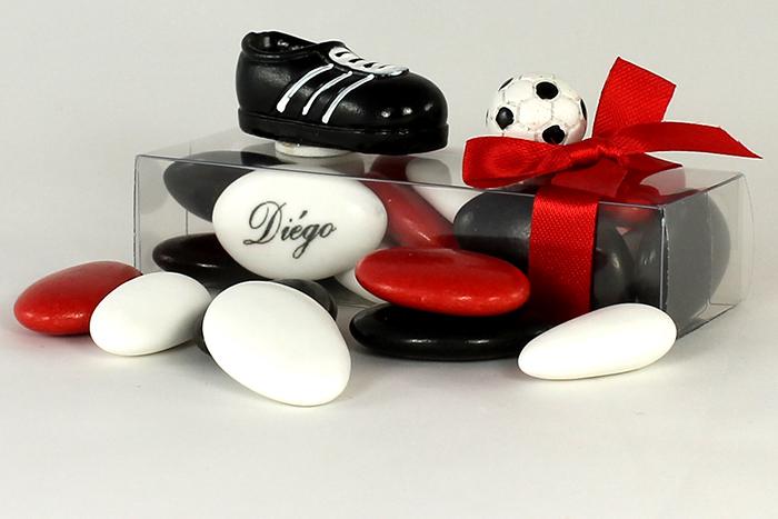 la boite de drag es foot avec chaussure et ballon. Black Bedroom Furniture Sets. Home Design Ideas