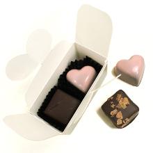 La mini boite de deux chocolats décoration chatons pour St Valentin