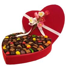 Très grande boite de chocolat coeur 2 kilos de gourmandises
