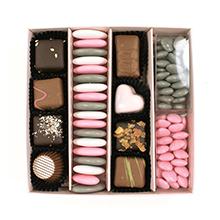 La boite chocolat dragées rose et grise motif chaton coeur pour St Valentin