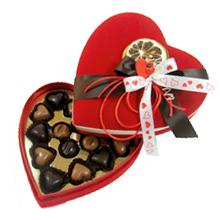 La boite de chocolats coeur rouge pour saint valentin