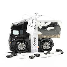 La tirelire camion noir et ses dragées au chocolat pour mariage