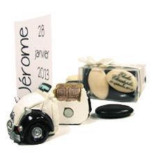 Le marque place voiture 2CV et sa boite de dragées au chocolat pour mariage