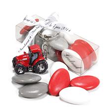 Le porte clé tracteur rouge et sa boite de dragées chocolat décoration pour mariage ou anniversaire