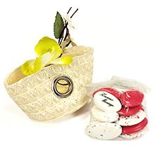 Le sac de voyage contenant à dragées pour mariage ruban et dragées personnalisables