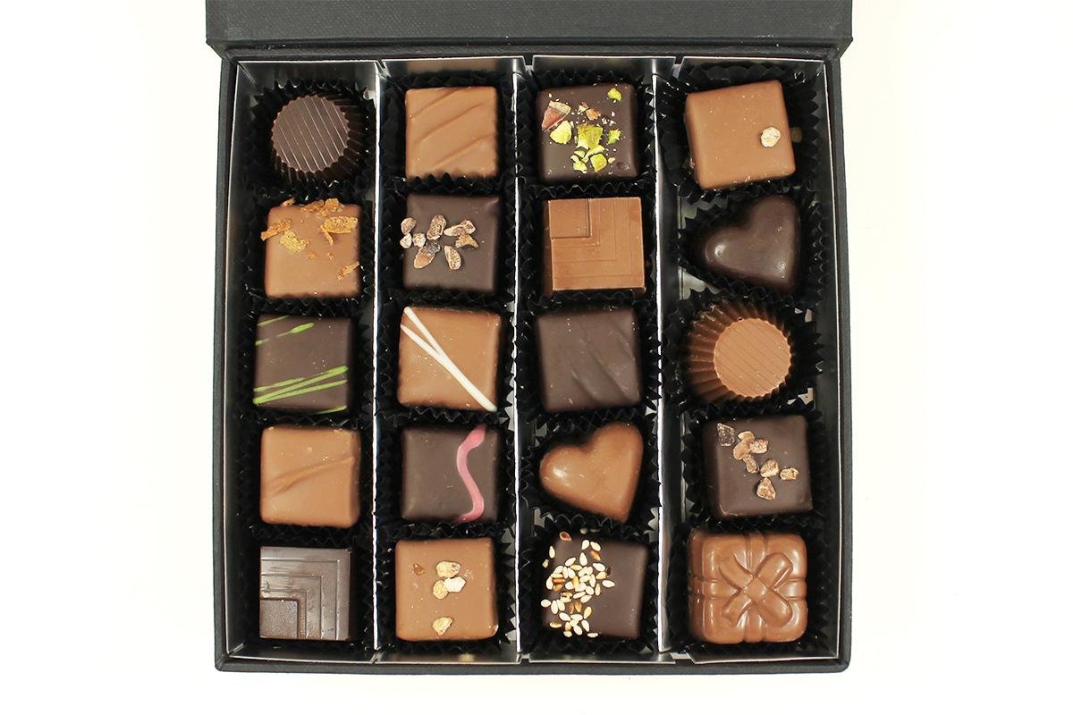 Le coffret de chocolats collection Black 190gr