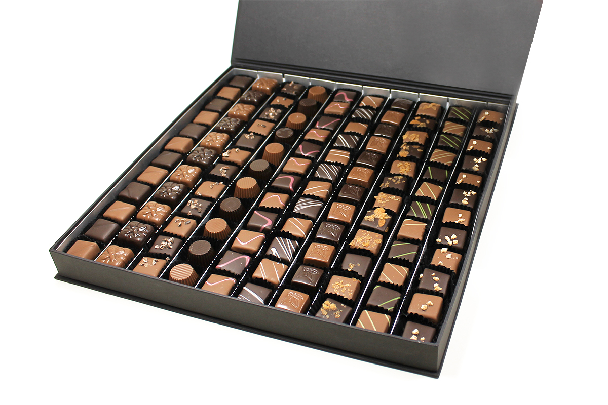 Le coffret de chocolats collection Black 1 kilo