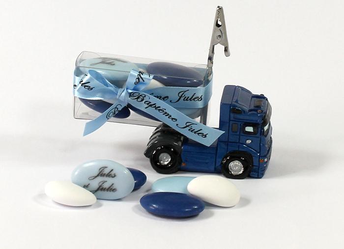 Porte nom camion bleu et sa boite de drag es - Porte photo bapteme garcon ...