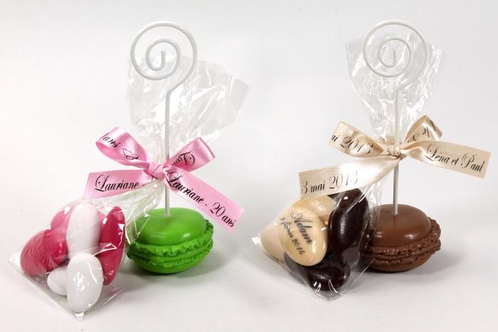 Le macaron porte nom et drag es chocolat for Decoration fausse porte mariage