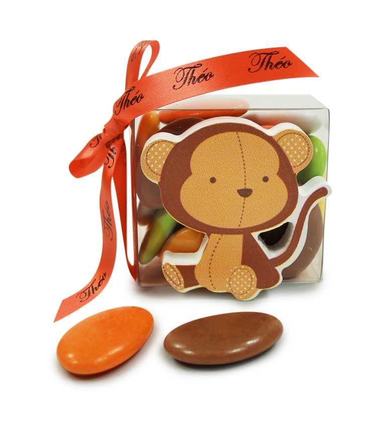 Petit singe figurine avec dragées au chocolat